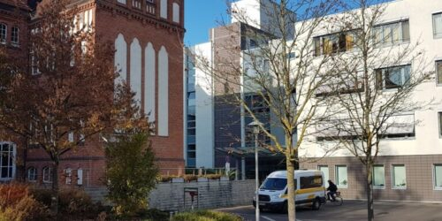 Eingang Der Klinik Rathenow 1 768x768